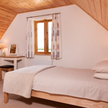 Twin Room in Duncliffe Chalet